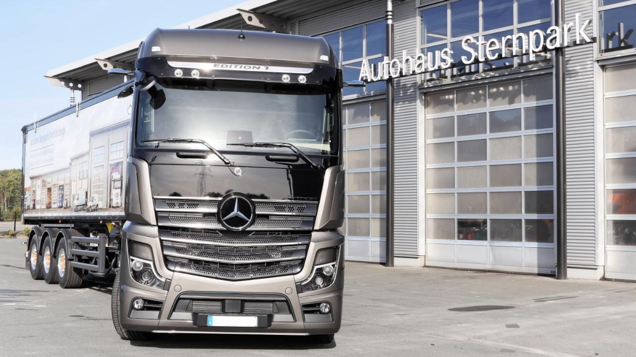 mercedes_benz_sternpark_werbe_truck